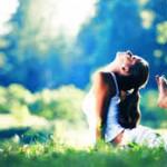 vrouw yoga houding natuur lente